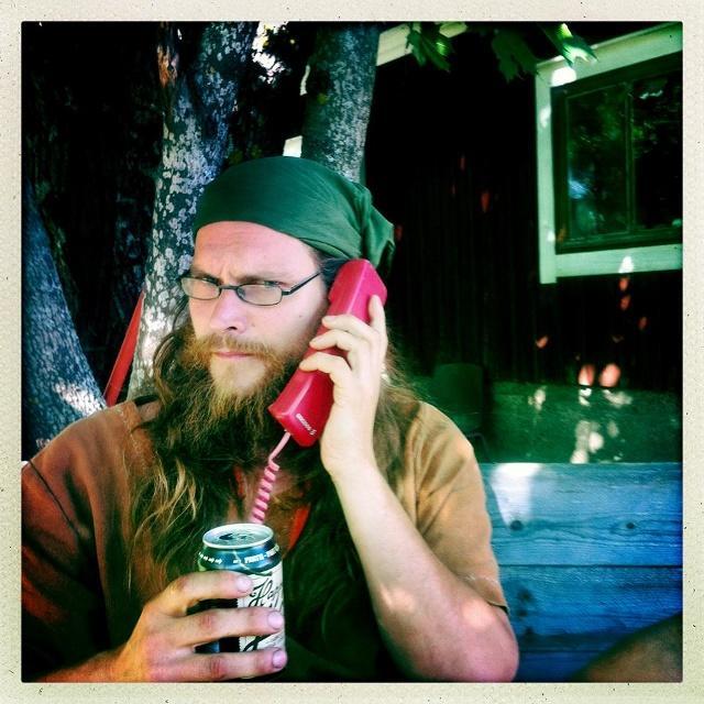 calling my friends - a picture by Katja Riikonen