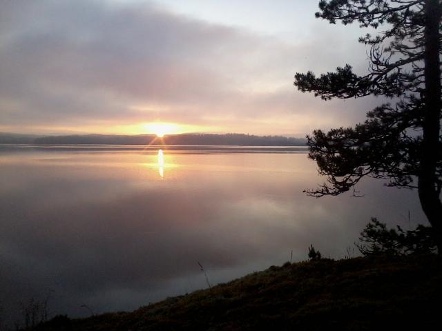 3:45 am : sunrise at Lake Paloselkä